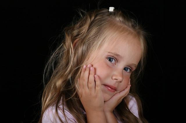 girl-388654_640